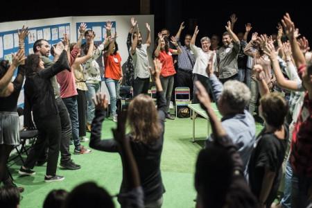 Teatro: BULLANGA CIA TEATRAL presenta JOC DE XIQUETES