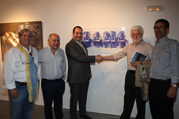 Traver Calzada dona una de sus obras al Ayuntamiento de Benicàssim